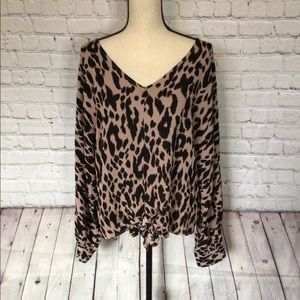 NWT V neck front tie leopard top